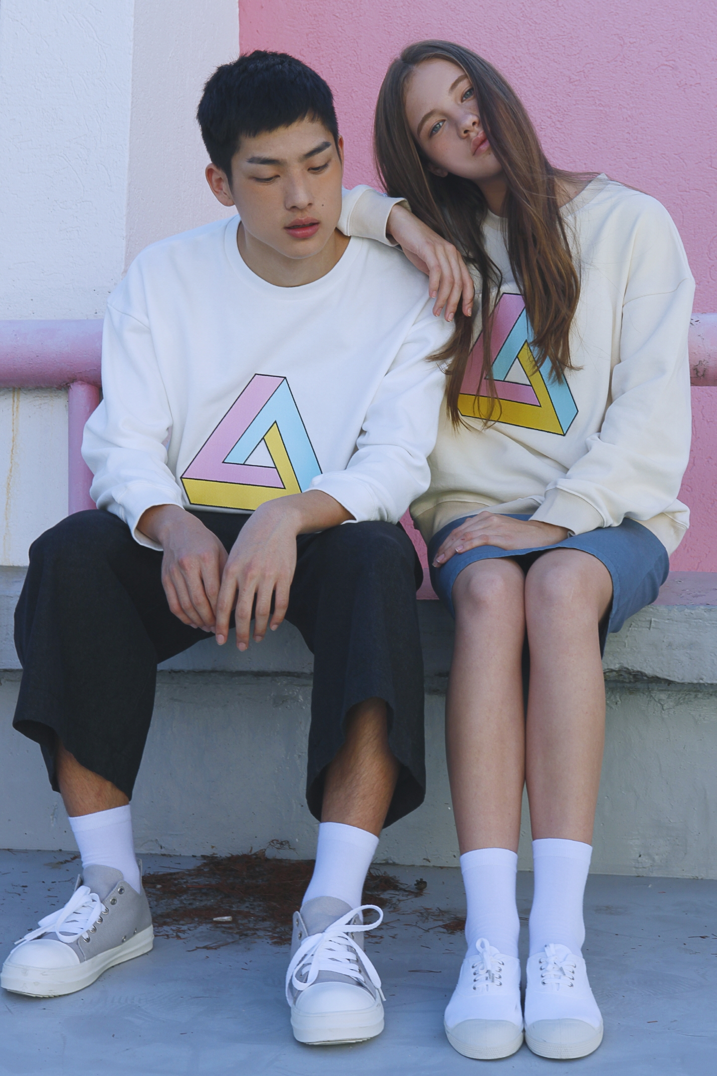 triangle sweatshirt [pink,beige]